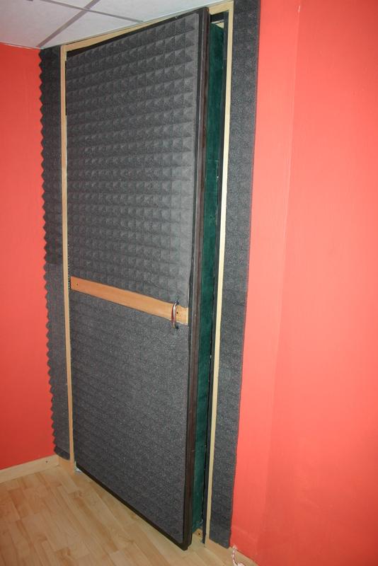 Insonorizzare porta legno terminali antivento per stufe - Insonorizzare casa ...